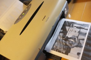 印刷クオリティにはめをつぶって、自宅用のプリンターで出力。