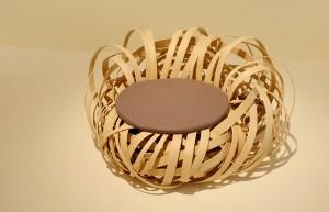 鳥の巣をイメージしたチェア。 Nina Bruun(デンマーク)