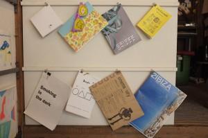写真集、画集、絵本、読み物など、ジャンルや表現手段もさまざま。