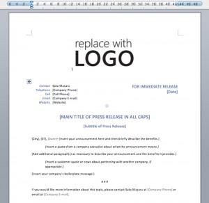 企業ロゴや連絡先を上部にきれいにまとめたレイアウト。