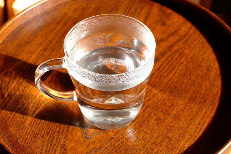 お湯 を 飲む 効果